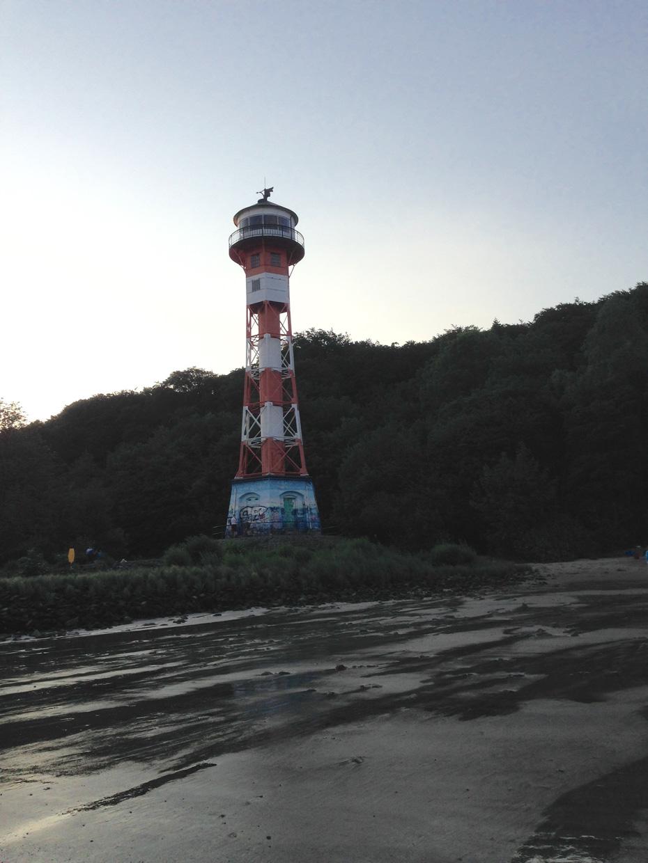Der Leuchtturm am Elbstrand